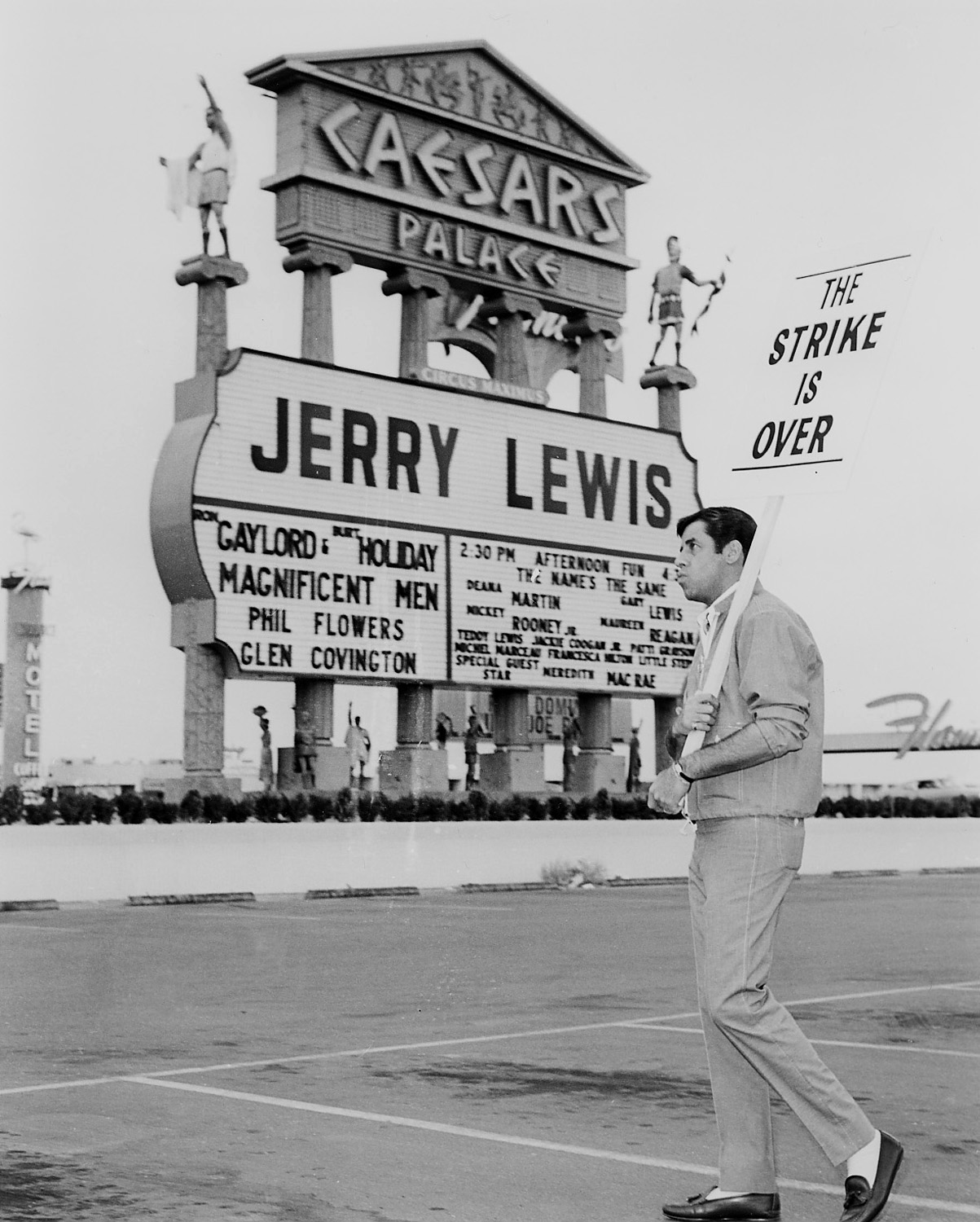 Caesars Palace marquee with Jerry Lewis. CREDIT: Las Vegas News Bureau
