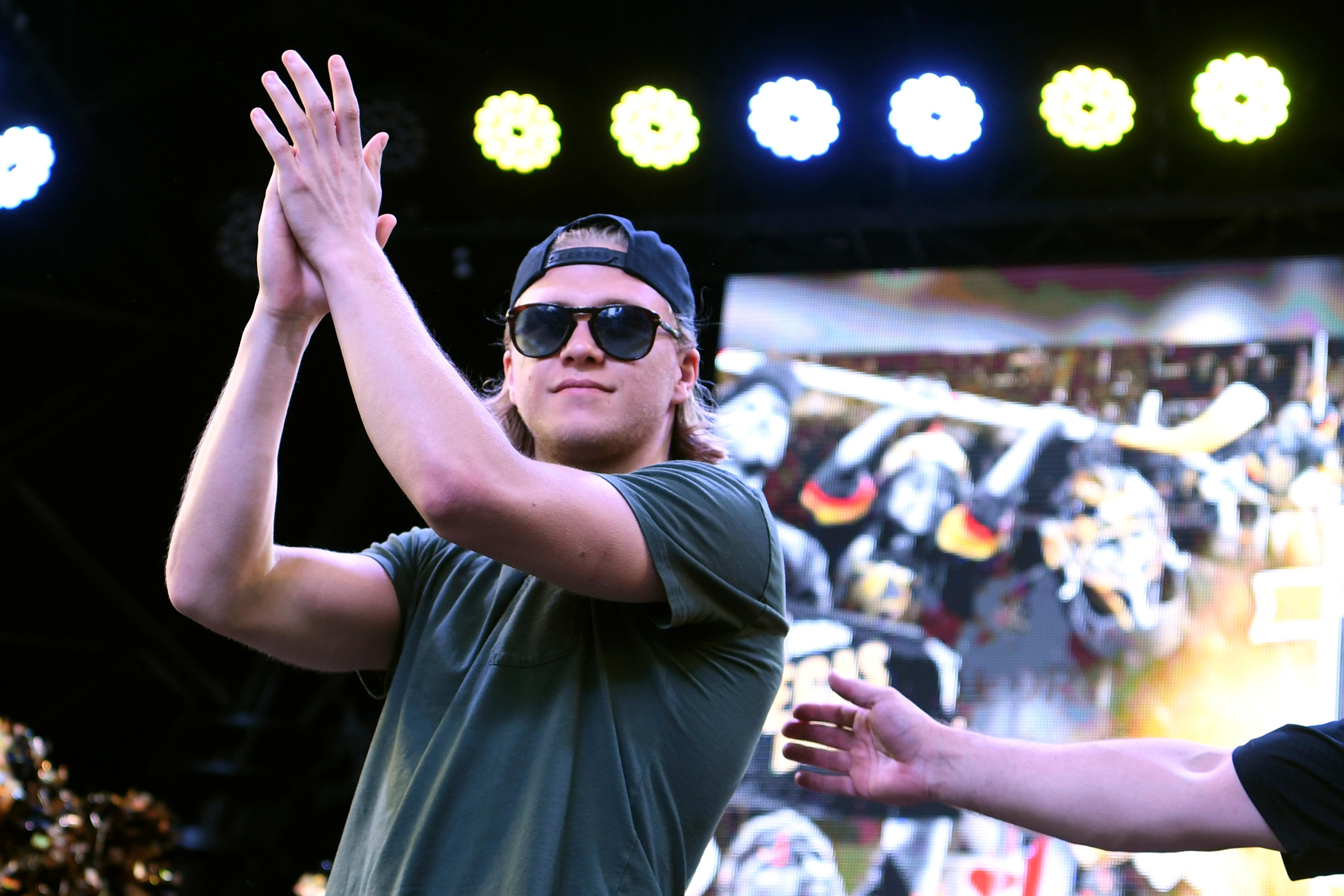 Vegas Golden Knights center William Karlsson salutes the estimated 7,500 fans during a Vegas Golden Knights Stick Salute to Vegas fan appreciation rally at the Fremont Street Experience Wednesday, June 13, 2018. CREDIT: Sam Morris/Las Vegas News Bureau