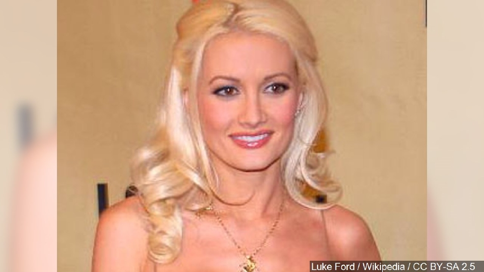 Holly Madison shares her latest experiences in 'The Vegas Diaries'   KSNV