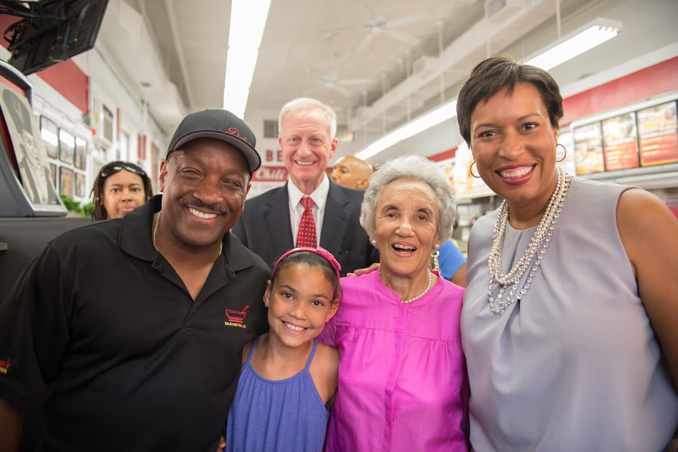 Donnie Simpson and Muriel Bowser celebrate Simpson's 40th anniversary on radio in D.C.{&amp;nbsp;} Sunday, Oct. 22, 2017 (Mayor Muriel Bowser/Twitter){&amp;nbsp;}<p></p>