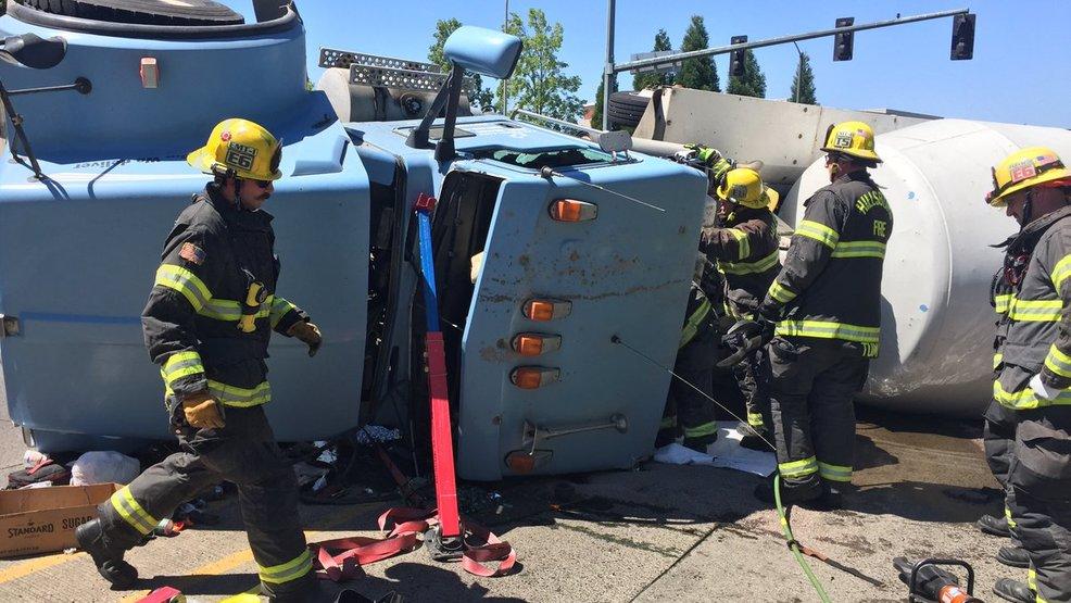 Rolls In Cement : Cement truck rolls in hillsboro driver hospitalized katu